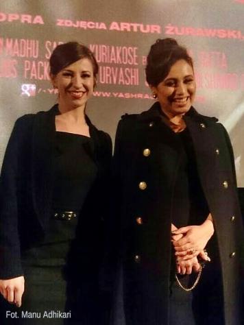 Rani Mukerji podczas polskiej premiery Mardaani chętnie pozowała z fanami do zdjęć